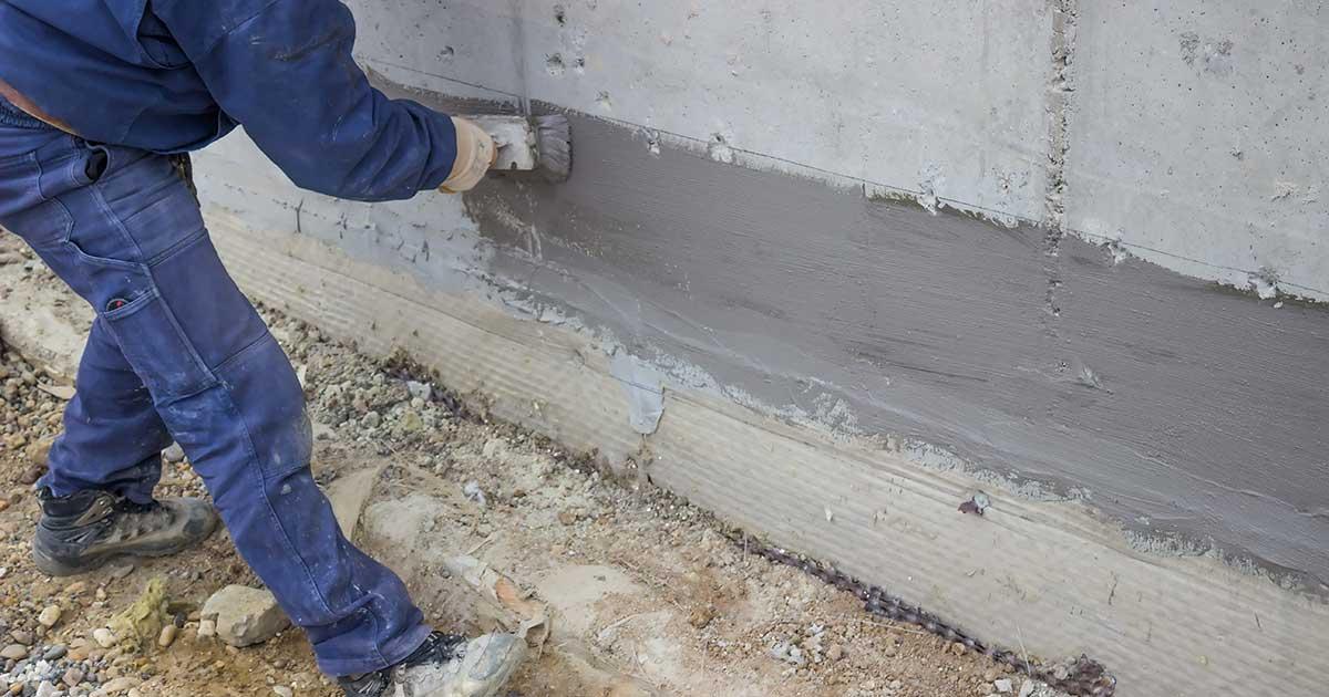 Nanošenje hidroizolacionog premaza na bazi cementa